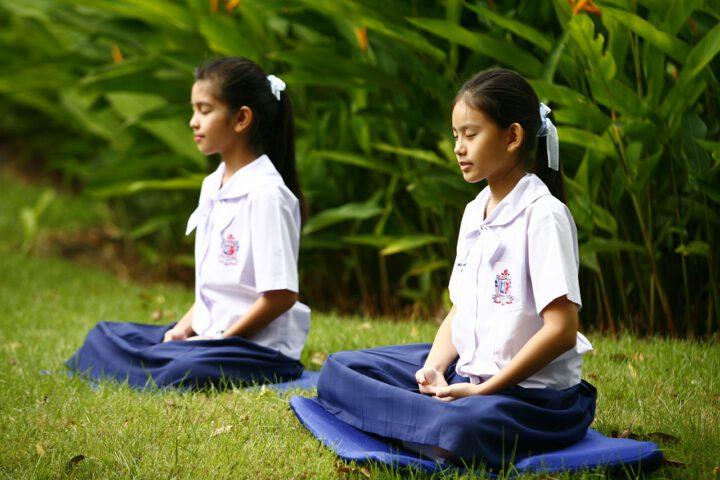 girls, buddhism, meditation